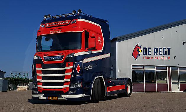 Onze eerste inbouw klus! - Truckinterieur De Regt |  Vrachtwagenbekleding voor Scania, Volvo en DAF | Stadskanaal