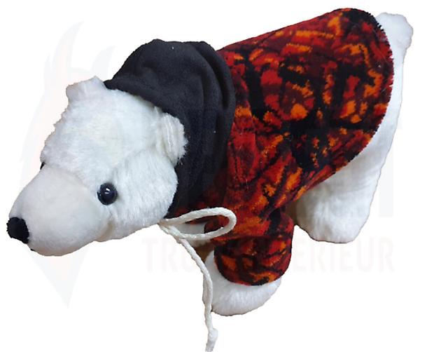 Stoere ijsbeer met pluche jas - Truckinterieur De Regt | Vrachtwagenbekleding