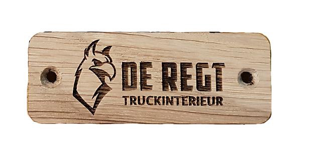 De Regt gebrand hout plaatje - Truckinterieur De Regt