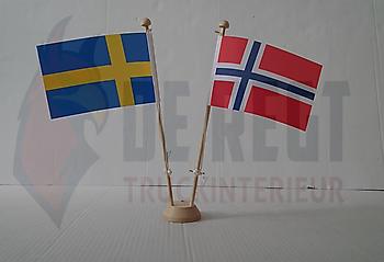 Dashboard vlaggetjes Truckinterieur De Regt |  Vrachtwagenbekleding voor Scania, Volvo en DAF | Ter Apel
