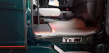 Voorbeelden van truckinterieur Truckinterieur De Regt |  Vrachtwagenbekleding voor Scania, Volvo en DAF | Stadskanaal