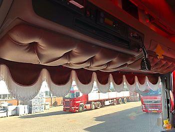 Zonneklepplaat gecapitonneerd Truckinterieur De Regt