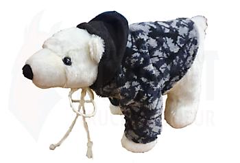 Stoere ijsbeer met pluche jas Truckinterieur De Regt